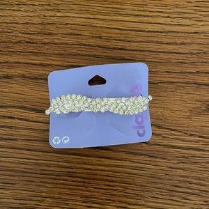 Claire's hair clip